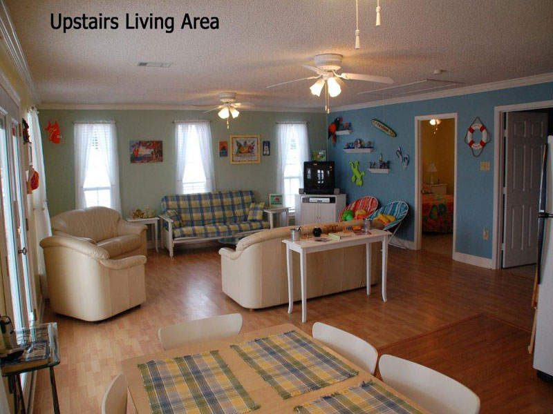 false-river-upstairs-living
